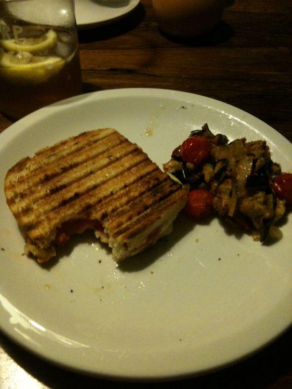 Griddled tomato cheese sandwich, Britt's recipe