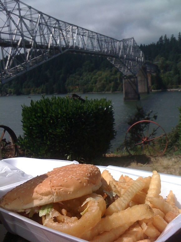 Western burger, char burger, Cascade Locks/Bridge of the Gods, OR